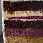 Przepis na Tort gorzka czekolada-owoce leśne-karmel-maliny thumbnail