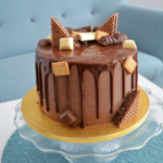 Przepis biszkopt z liofilizowanymi truskawkami + ciemny, czekoladowy drip thumbnail